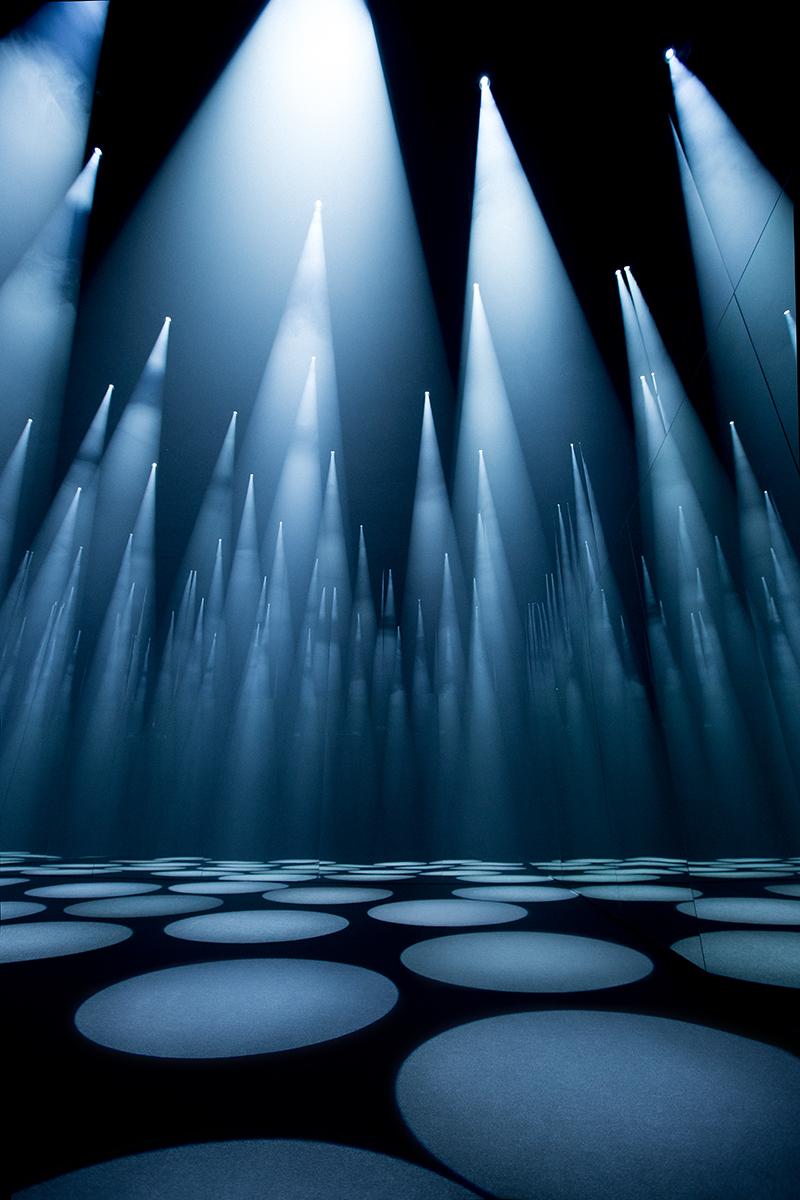 cos-sou-fujimoto-light-installation-salone-del-mobile-1