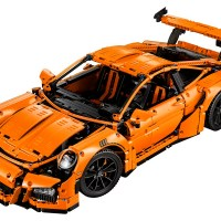 The 2,700-Piece LEGO Technic Porsche 911 GT3 RS Doesn't Skip a Detail