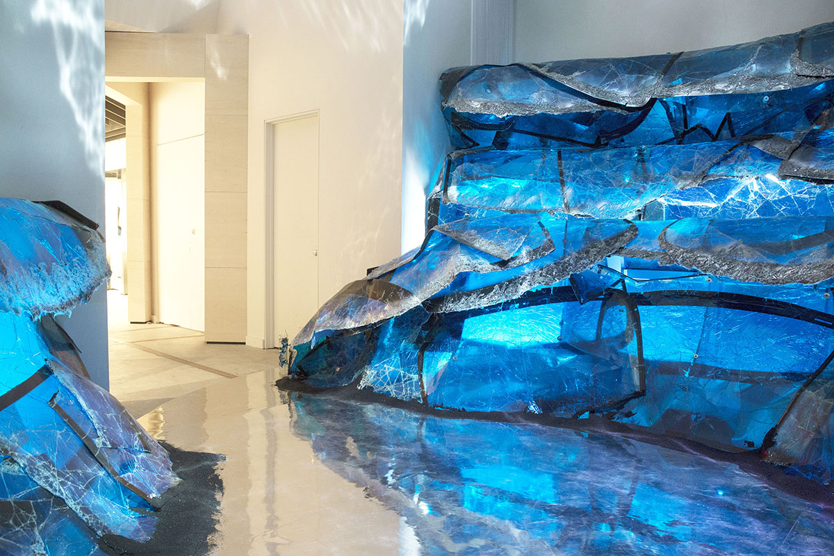 gentle-monster-nyc-grand-blue-installation-2