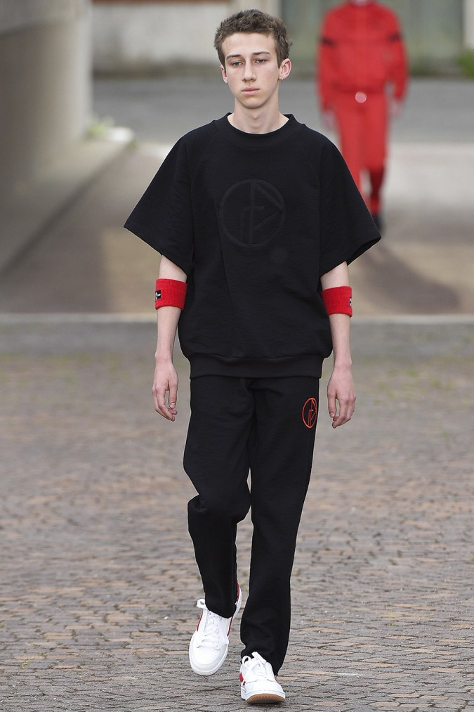gosha-rubchinskiy-spring-summer-2017-collection-florence-13