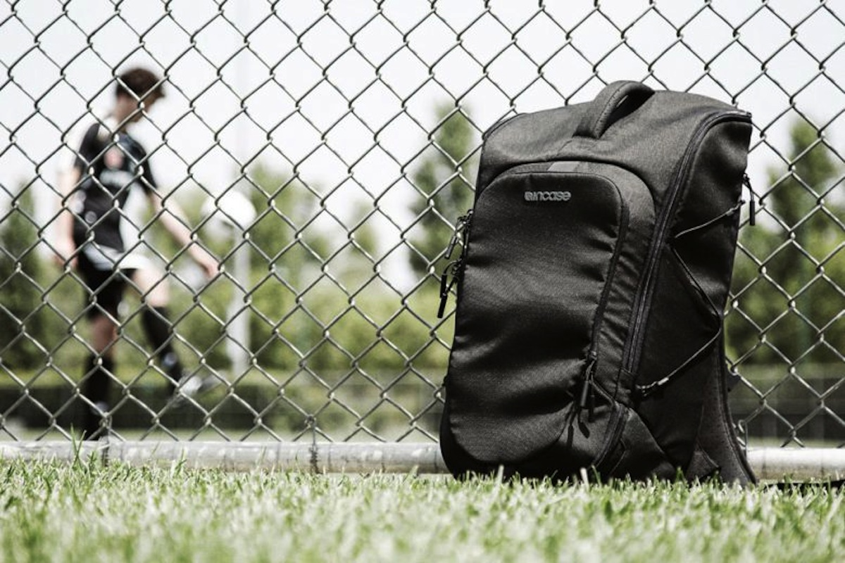 Incase Sport Field Bag 6