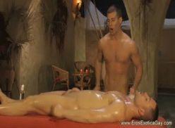 Massagem safada dos sarado.