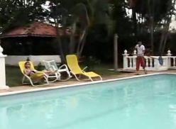 Depois da piscina sexo entre os novinhos.