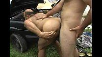 Comendo o coroa Jailson Mendes em cima do carro – porno gay