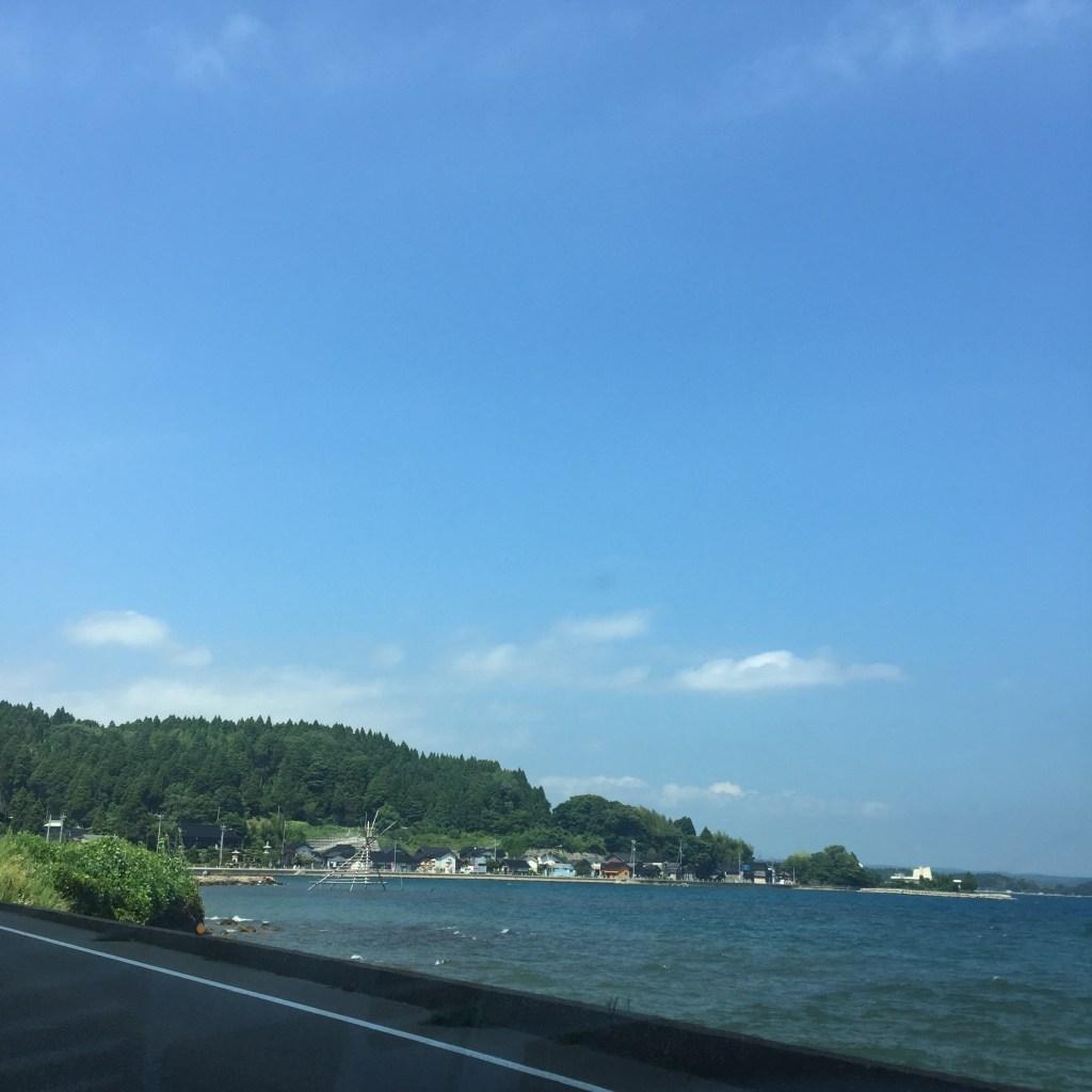 海沿いをドライブ