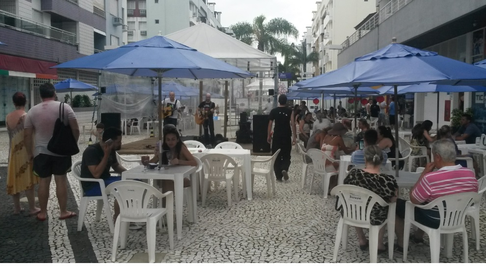 9 - Shows de musica ao vivo - Open Sounds - Jurere Open Shopping.jpg. Foto Viviane Araujo