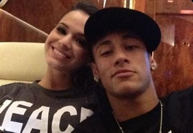 Bruna Marquezine e Neymar terminam namoro, afirma colunista