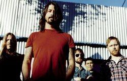Ben Gibbard de Death Cab For Cutie también colabora en el nuevo disco de Foo Fighters