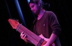 Escucha un tema del debut de Felix Martin y su guitarra de 14 cuerdas