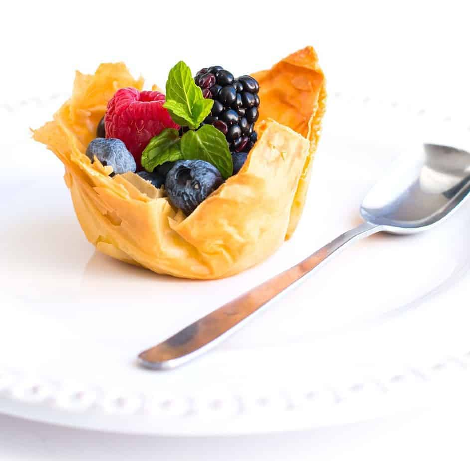 Mini Fruit Tart with Mascarpone Cream