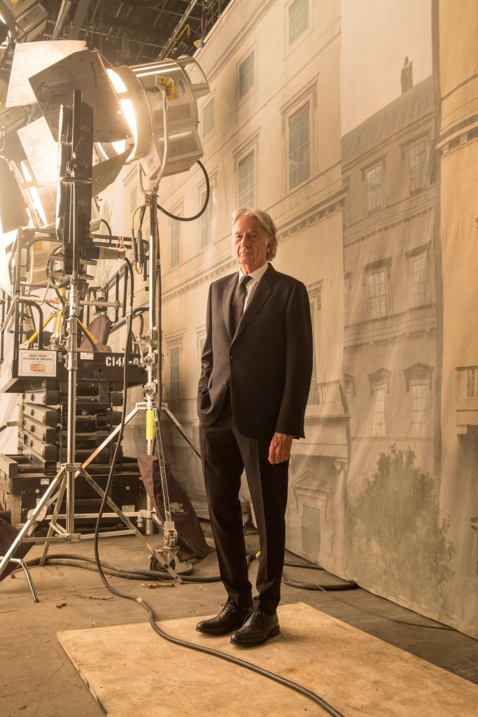 Paul Smith on set of Columbia Pictures' MEN IN BLACK: IN TERNATIONAL.