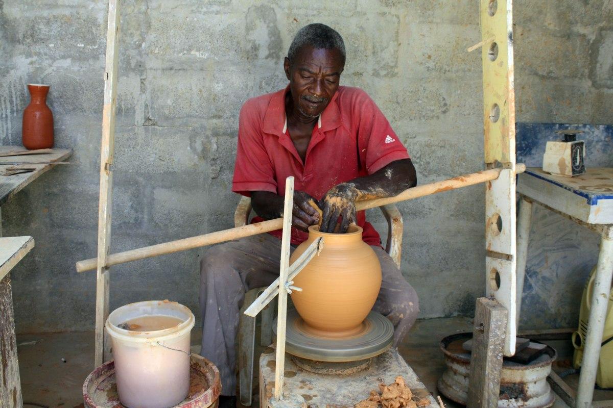 acrstudio_haiti_ceramicartisans02