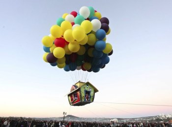 up-inspired-floating-balloon-house-jonathan-trappe-4