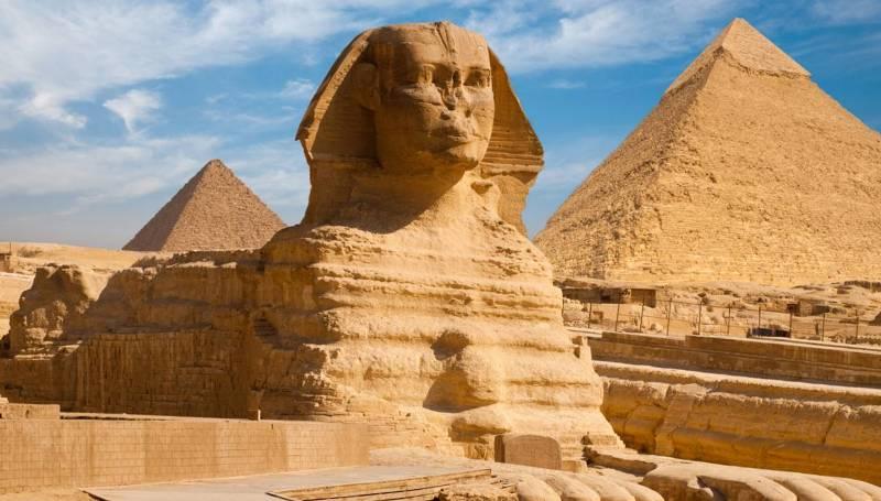 Сфинкс и Пирамиды Гизы