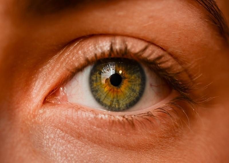 Правый или левый глаз? Фотоисточник
