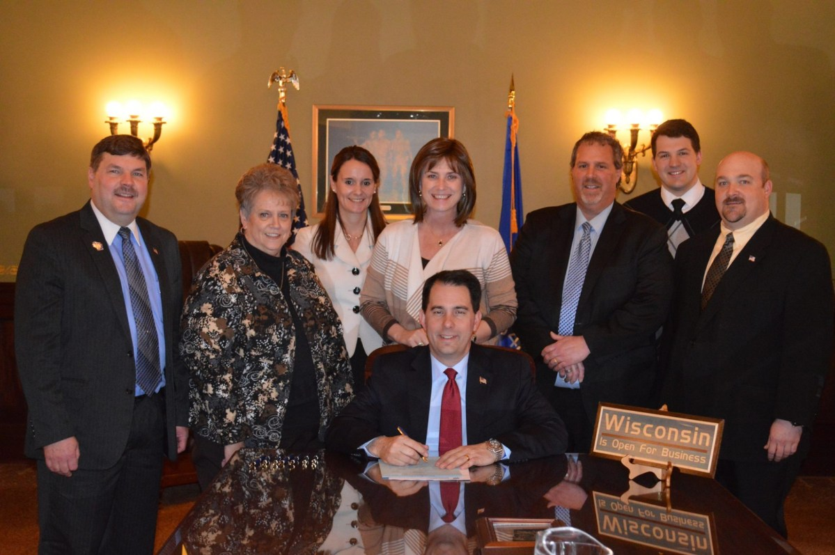 Governor Signs AB 407, Bill that Supports Snowmobile Trail Maintenance