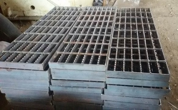 distributor supplier serrated steel grating