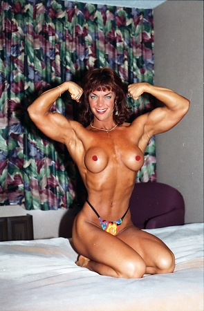 suzan kaminga bodybuilder