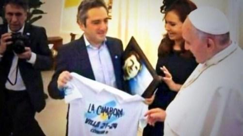 Papa camiseta de La Campora