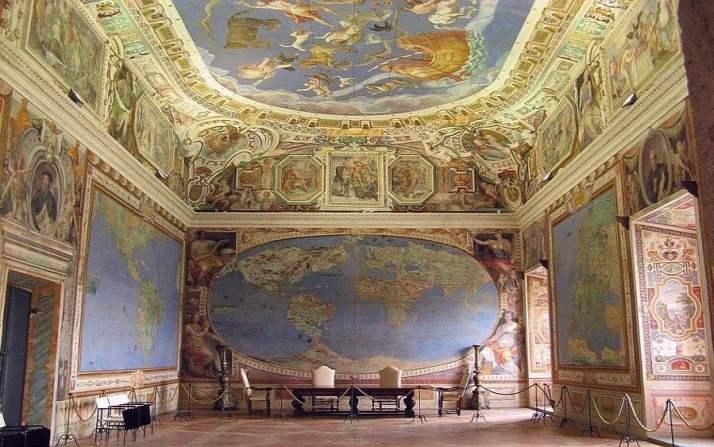Map Room du 16ème siècle + Antarctique, qui a été officiellement «découvert» dans les années 1770