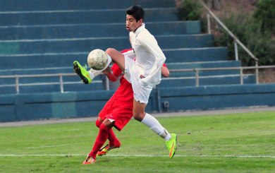 BSoc: Rendon's OT header leads Dons past Redondo Union