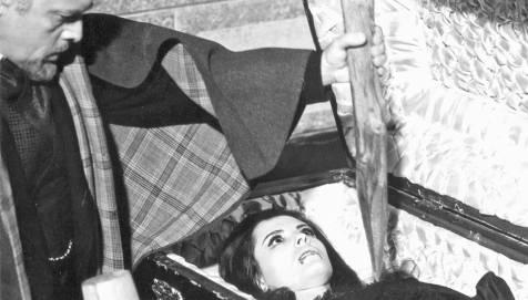 Nachts, wenn Dracula erwacht (1970), Regie: Jesús Franco
