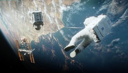 Gravity-©-2013-Warner-Bros.(12)
