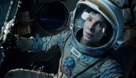 Gravity-©-2013-Warner-Bros.(17)
