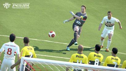 Pro-Evolution-Soccer-2014-©-2013-Konami-(9)