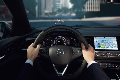 Opel-Insignia-Head-Up-Display-305413