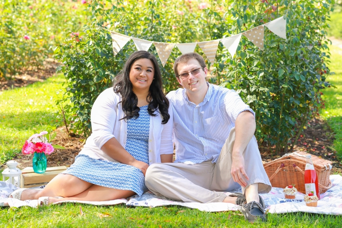 ENAGEMENT | Garden Picnic Engagement Shoot | Fresh Look Photography