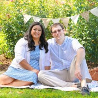 ENGAGEMENT | Garden Picnic Engagement Shoot | Fresh Look Photography