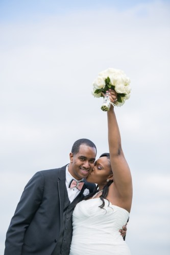 REAL WEDDING |White, Gray and Pink Wedding | Lola Snaps Photography | Pretty Pear Bride