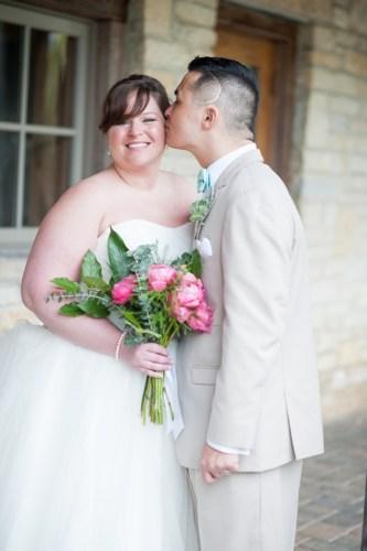 REAL WEDDING | Barn Beautiful Rustic Wedding in Ohio | Comfort Photography | Pretty Pear Bride