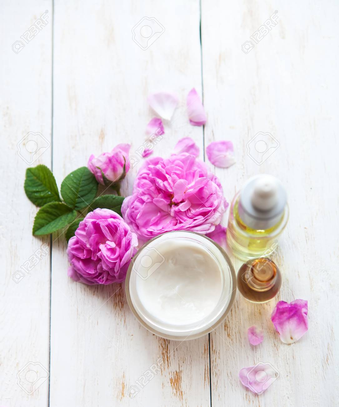 Picture Candles Flower On Wooden Table View Flat Lay Flower Oil Target Flower Oil Pain 81224830 Spa Set Massage Oil Towel Sea Salt houzz-03 White Flower Oil