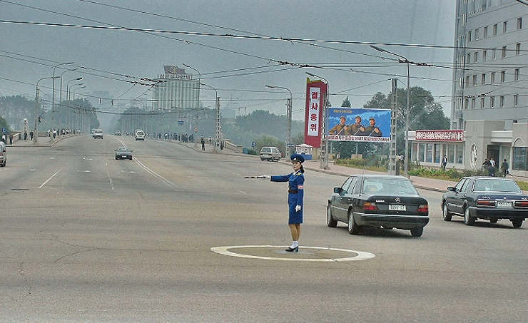 Carros-coreia-do-norte-dprk (11)