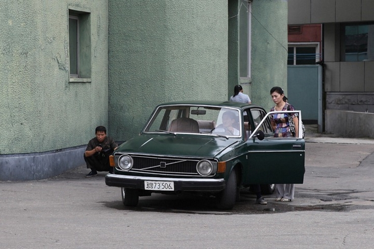 Carros-coreia-do-norte-dprk (9)