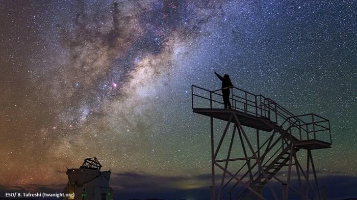 Llegando-a-las-estrellas-en-Paranal.-ESO-B.-Tafreshi-twanight.org_para-astroturismochile.jpg