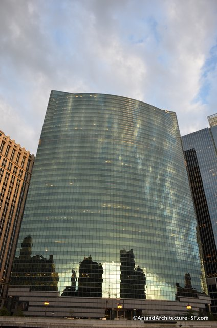 Glass building on chicago river tour