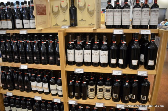 Wine store at Eataly Chicago