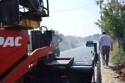Filloi asfaltimi i rrugëve në Panorc