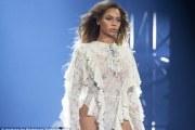 Beyonce injorohet nga fansja (Video)