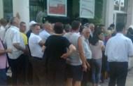 Pensionistët e Prizrenit i duan pensionet përmes Postës (Foto)