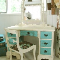 The Ugly Duckling Dressing Table - My hubby said it was junk