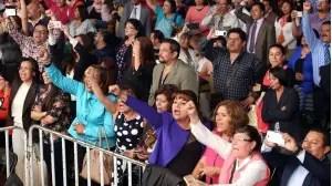 VIDEO: Docentes abuchean y corren a Aurelio Nuño de Ecatepec