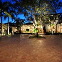 Dan Marino Finally Sells His Florida Home for $7.2M After 6 Years
