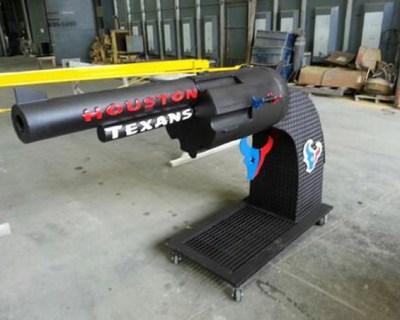 texans-gun-grill-2