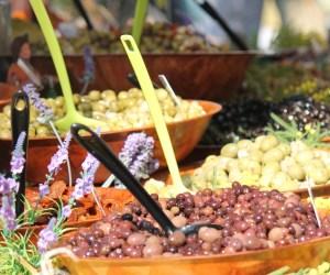 Olives Salon de Provence market