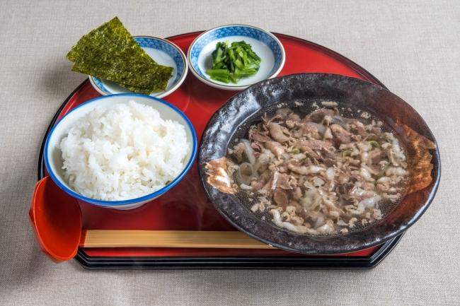 「牛吸い朝定食」:600円(+税)