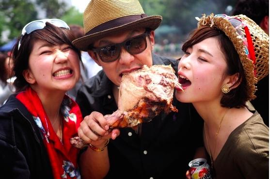 マンガのような塊肉だって・・・